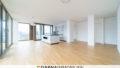 Wunderbares Wohnzimmer mit luxurioeser Einbauküche | Voltairestraße 11, 10179 Berlin