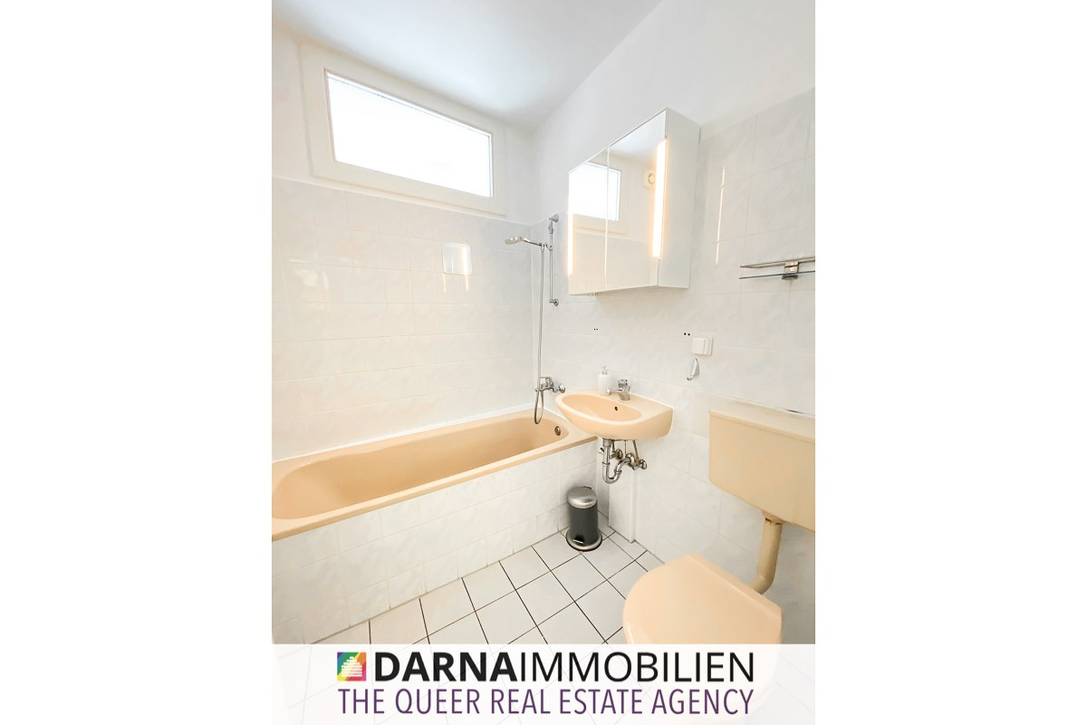 Wannenbad   Wohnung kaufen – Nachodstrasse 1, 10779 Berlin